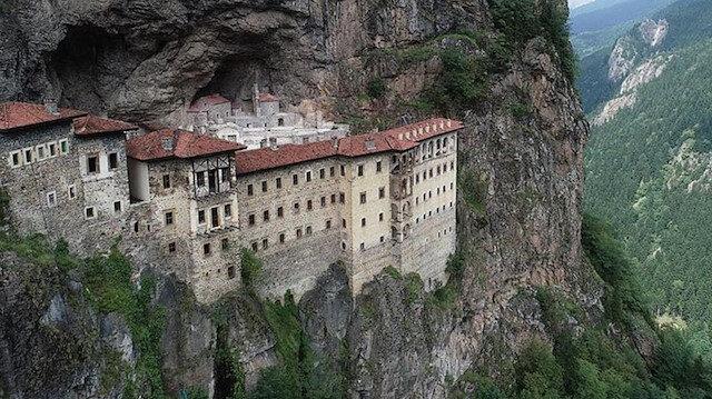 Rus Ortodoks Kilisesi Sümela Manastırı'nda ayinlere başlamasından memnun