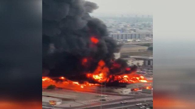 BAE'de korkutan yangın: Gökyüzünü dumanlar kapladı