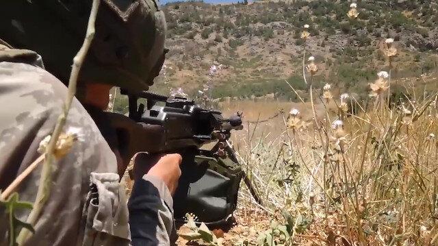 Mehmetçik teröristlerin inlerine girdi: Üç terörist etkisiz hale getirildi