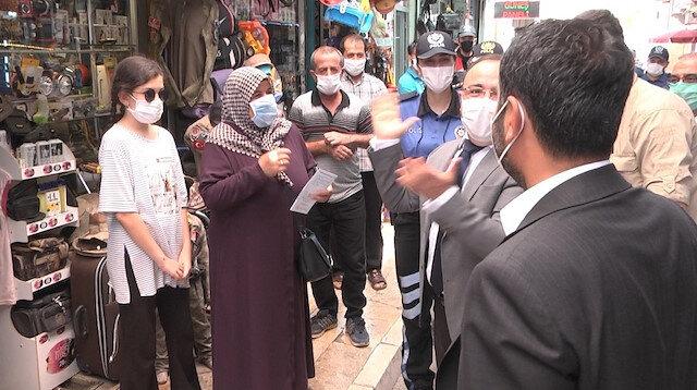 Elazığ Valisi ile bir vatandaş arasından gülümseten diyalog: Bugün olmaz gelemem misafirim var