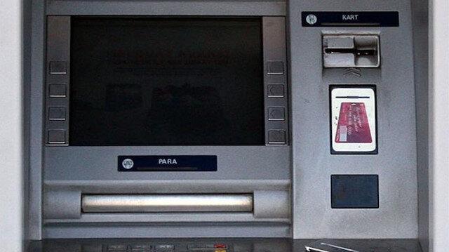 ATM'lere kart kopyalama aparatı yerleştirmişler: İki kişi suçüstü yakalandı