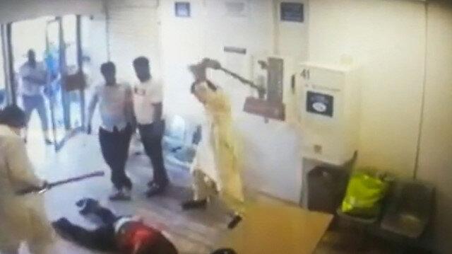 Maske takın diyen iş yeri sahibine çete dayağı kamerada