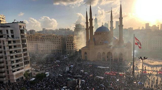 Beyrut'ta şiddetli protestolar ve bakanlık baskınları: 1 ölü, 238 yaralı