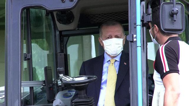 Cumhurbaşkanı Erdoğan TÜBİTAK desteği ile üretilen yerli ve elektrikli ekskavatörü kullandı