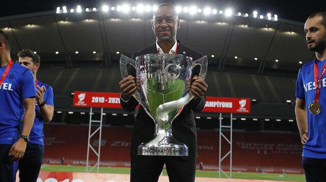 Trabzonspor Teknik Direktörü Newton'un Müslüman olduktan sonraki ismi ne?