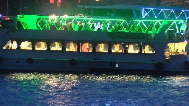 Koronavirüse rağmen teknede eğlence yaptılar: İstanbul polisi denizde tekneleri tek tek denetledi