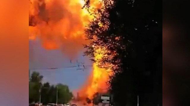 Rusya'da akaryakıt istasyonundaki büyük patlama anı kamerada