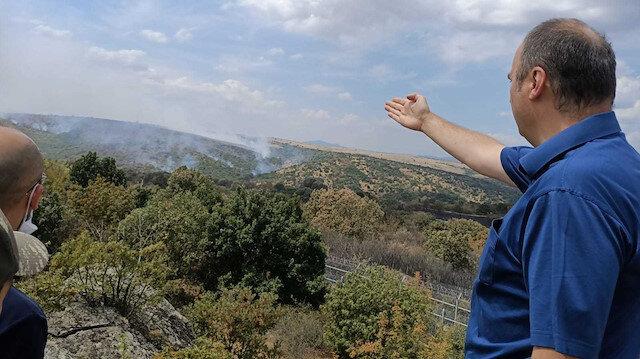 Dört gündür söndürülemeyen yangın Türkiye sınırına ulaştı