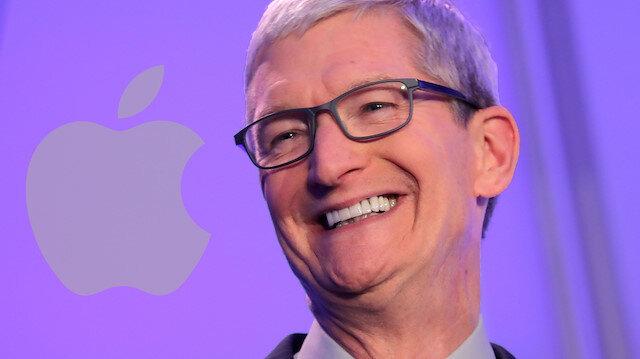 Apple CEO'su Tim Cook da 'milyarder' listesine katıldı
