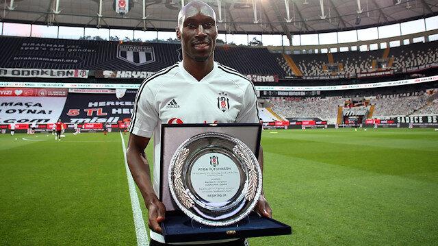 Beşiktaş Atiba ile sözleşme uzattı