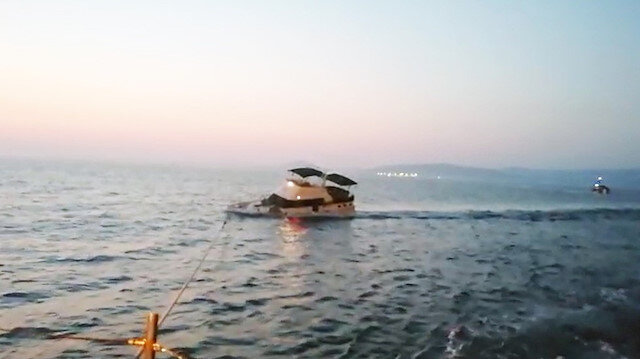 Marmaris açıklarında Yunanlıların ateş açtığı teknenin batma anı görüntüleri ortaya çıktı