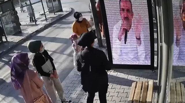Konya Büyükşehir Belediye Başkanı Altay, canlı kamera sistemi ile maske uyarısı yaptı
