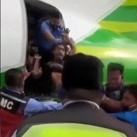 Uçağa kaçak binen kişi yaka paça uçaktan atıldı