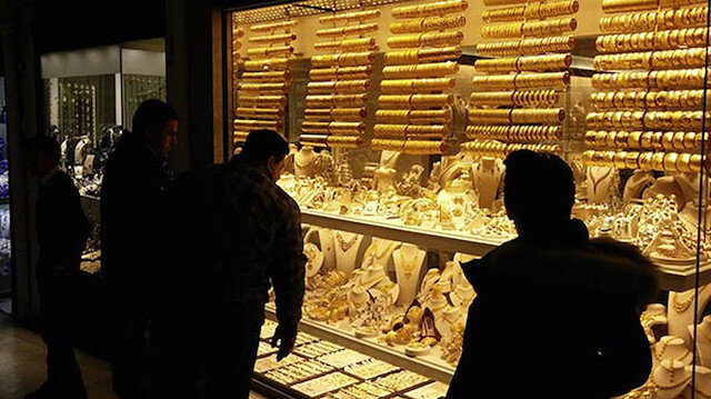 Altın fiyatları düştü mü çıktı mı? İşte gram ve çeyrek altında son durum