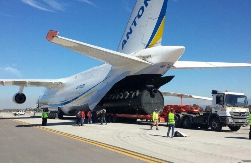 Antonov kargo uçakları boyutları ile dikkat çekiyor.