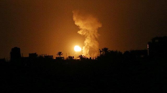 İşgalci İsrail Gazze'ye hava saldırısında bulunmaya devam ediyor