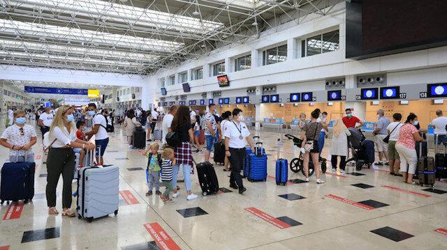 Güvenli tatilin adresi Antalya: Turist sayısı bir milyonu geçti