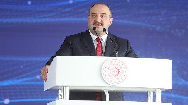 Mustafa Varank'tan Türkiye'yi küçümseyen Özgür Demirtaş'a kapak: Bir 'finans profesörü' bir Beypazarı Soda bile etmiyor