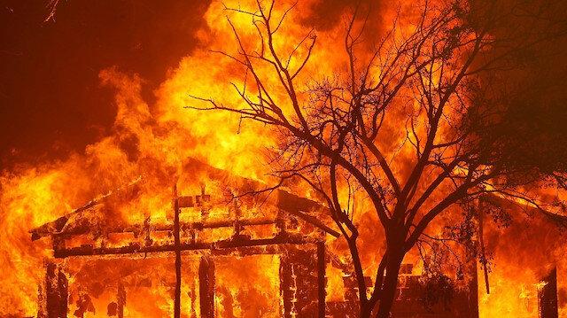 California, tarihinin en büyük yangınlarını yaşıyor
