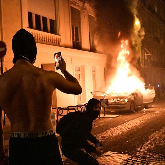 PSG taraftarları Paris sokaklarını birbirine kattı