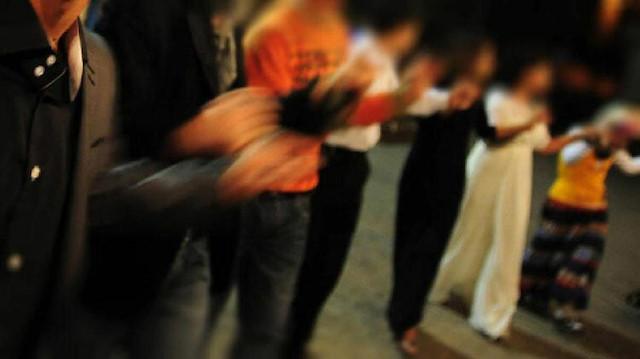 Bursa'da 'Oynamayan korona olsun' anonsu yapan piyaniste ve düğün sahibine para cezası