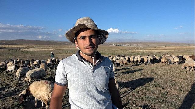 Alkışlar Vanlı Muhammet'e: Çobanlık yaparken üniversiteye hazırlandı, tıp kazandı