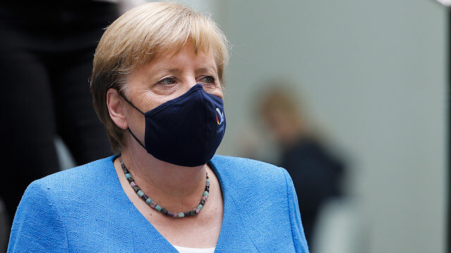 Merkel: Tüm Avrupa Birliği ülkeleri Yunanistan'ı desteklemekle yükümlü