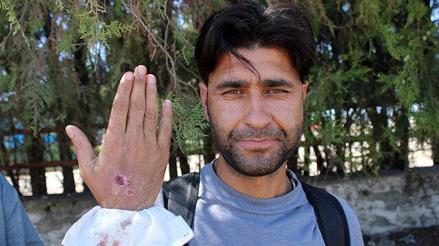 Ελληνικά βασανιστήρια: ξυλοδαρμό μετανάστες και κλοπή των αντικειμένων τους