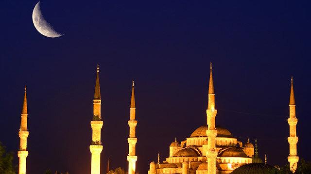Kandil gecelerine ait özel bir namaz veya ibadet şekli var mıdır? Mübarek geceleri nasıl değerlendirmek gerekir?