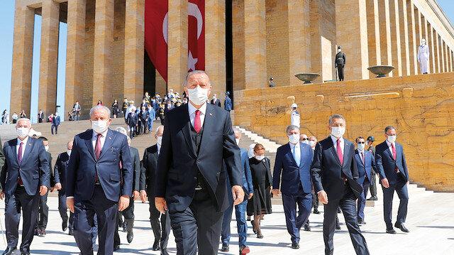 Düşmanlarımıza hodri meydan diyoruz: Cumhurbaşkanı Erdoğan'dan Yunanistan ve Fransa'ya tokat gibi sözler