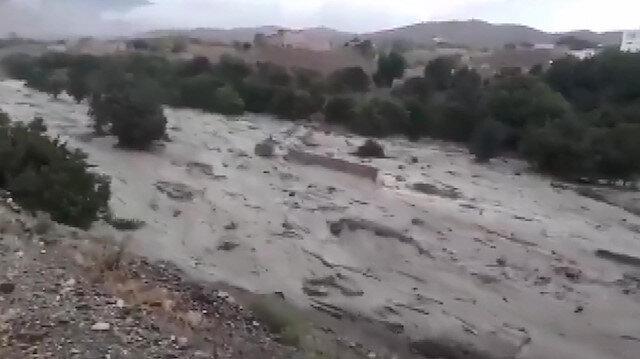 Afganistan'daki sel felaketinde 190 kişi hayatını kaybetti