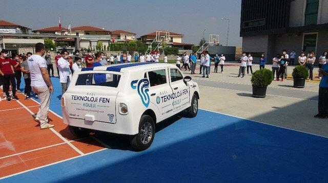 Bursa'daki lise öğrencileri 'Verd-e' isimli elektrikli otomobil yaptı: TOGG'dan ilham aldılar