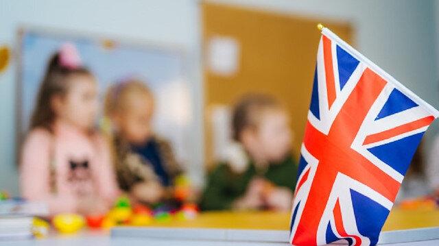 İngiltere'de okullar açıldı vakalar üç kat attı