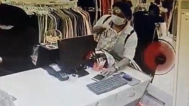 Fatih'te cep telefonu çalan kadın hırsız kamerada