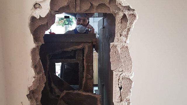 Kayseri'de maskeyle geldiler duvarı kırıp girdikleri kuyumcuyu soydular