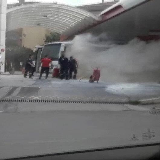 Ataşehirde akaryakıt istasyonundaki midibüs yangını paniğe neden oldu