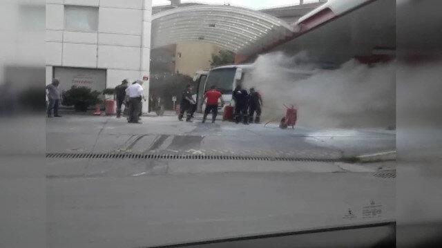 Ataşehir'de akaryakıt istasyonundaki midibüs yangını paniğe neden oldu