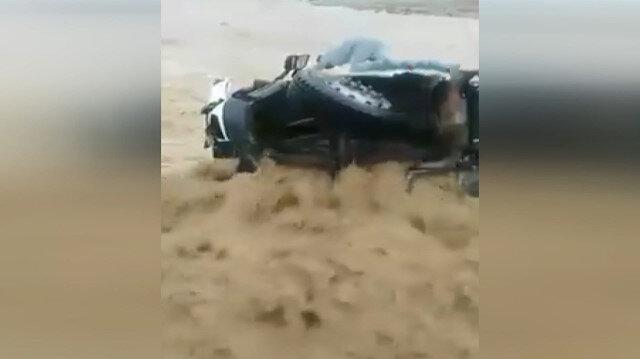 Tunus'ta sel felaketi: Bir çocuk hayatını kaybetti