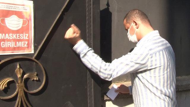 Kağıthane'de KPSS'ye geç kalan vatandaş demir kapıyı yumrukladı
