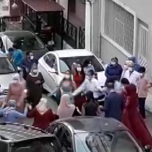 Maltepede koronavirüse inat sokakta düğün halayı