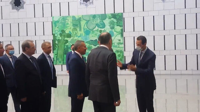 Esed Rusya Dışişleri Bakanı Lavrov'u el pençe divan karşıladı