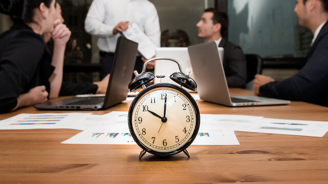 Çalışanlar dikkat: Mesaiye geç gelip, erken çıkmak tazminatsız kovulma sebebi