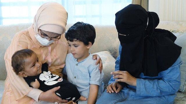 Kolları ve ayakları olmayan Muhammed bebek, Emine Erdoğan'ın misafiri oldu