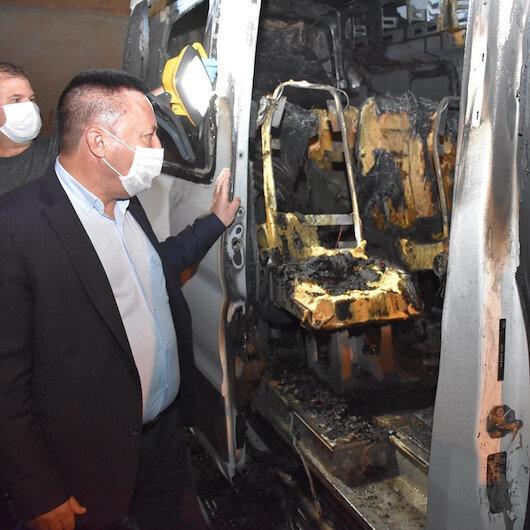 Bağlar Belediyesi yine terörün hedefinde: Temizlik aracından sonra bu kez servis aracı kundaklandı