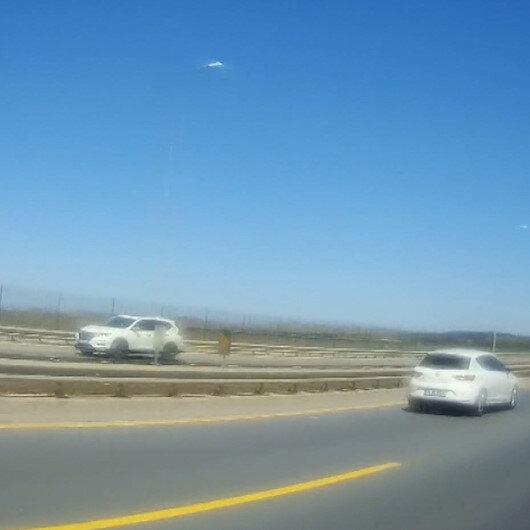 Büyükçekmecede ilginç olay: Ters yolda geri geri son sürat giden sürücü böyle görüntülendi