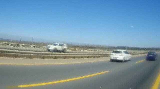 Büyükçekmece'de ilginç olay: Ters yolda geri geri son sürat giden sürücü böyle görüntülendi