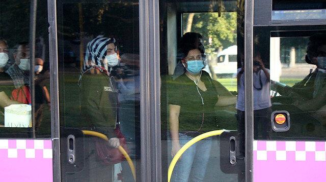 Ayakta yolcu yasaklandı ama otobüs ve minibüsler almaya devam ediyor