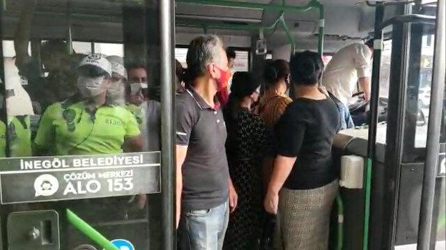 Bursa'da ayakta yolcu kısıtlamasına uyulmadı: Toplam 40 yolcu taşıyan minibüse ceza kesildi