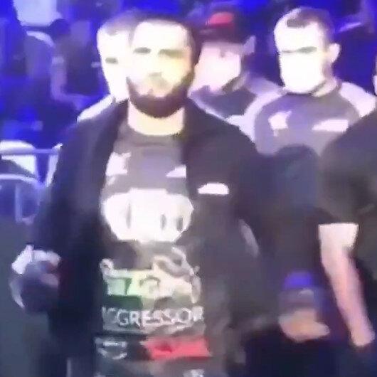 Çeçen asıllı Rus boksör Moskovadaki müsabakaya Erdoğan müziği ve Beşiktaş tişörtü ile çıktı