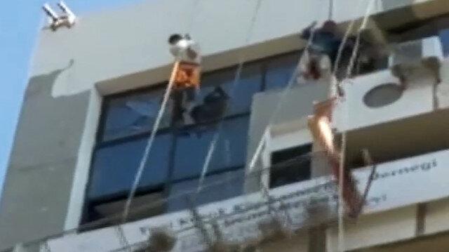 İzmir'de iskele halatı koptu, işçiler adeta ölümden döndü
